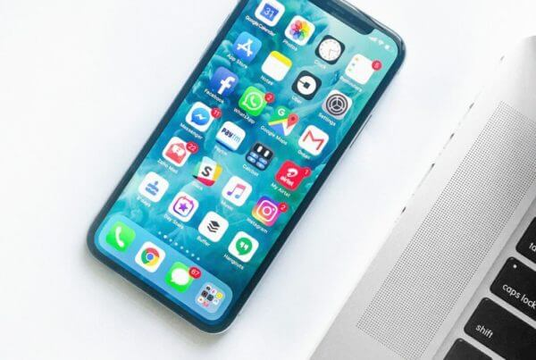 iPhone X hemskärm